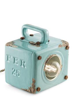Petite lampe à poser en céramique bleu azur aspect vieilli. Ferroluce.