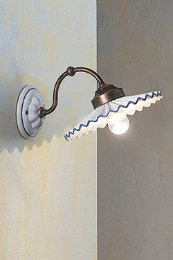 C198 wall lamp in white and blue ceramic. Ferroluce.