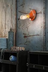 Minimalist wall lamp C115 orange. Ferroluce.