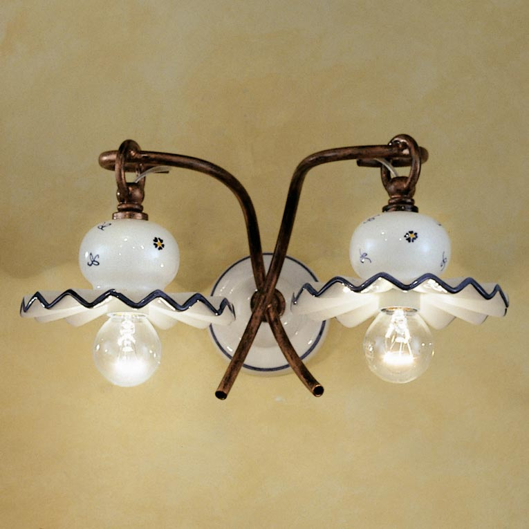 Roma C401 double wall lamp in white and blue ceramic. Ferroluce.