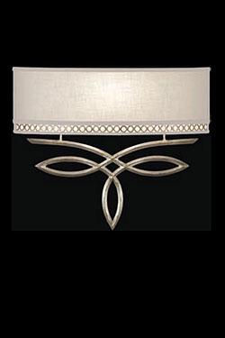 Allegretto applique en lin naturel décorée à la feuille d'argent. Fine Art Lamps.
