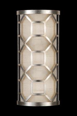 Allegretto applique en lin naturel décorée à la feuille d'argent petit modèle. Fine Art Lamps.