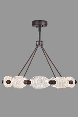 Lustre en bronze patiné aux dix cristaux taillés. Fine Art Lamps.