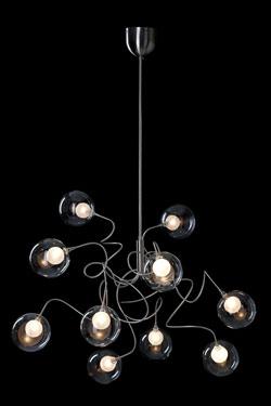 Riddle Six suspensions 10 lumières en verre transparent. Harco Loor.