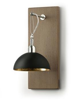 Applique coupole suspendue en métal laqué noir mat et intérieur doré à la feuille. Hind Rabii.