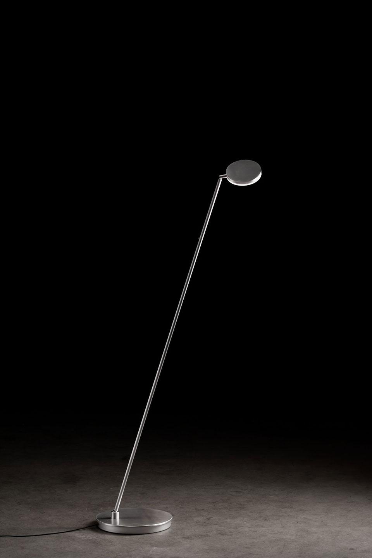 Liseuse design en aluminium mat, éclairage LED haute qualité Plano. Holtkötter.
