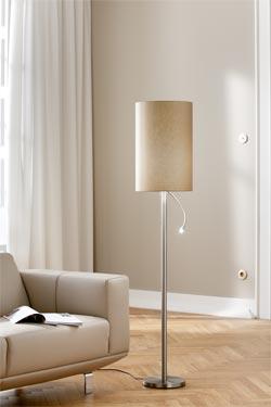 Petit lampadaire et liseuse à éclairage Led nickel mat. Holtkötter.