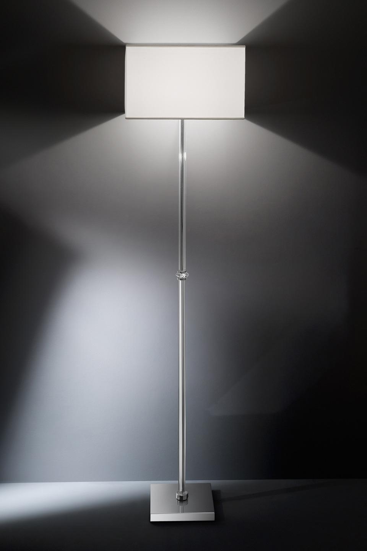 Lampadaire en verre cannelé et détail en cristal Swarovski. Italamp.