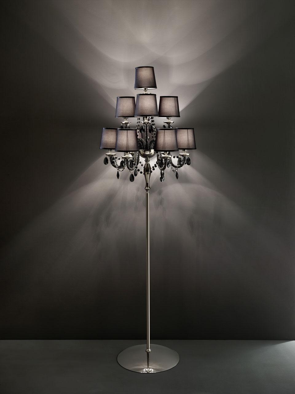 Lampadaire noir en verre et pampilles en cristal Swarovski LENOIR. Italamp.