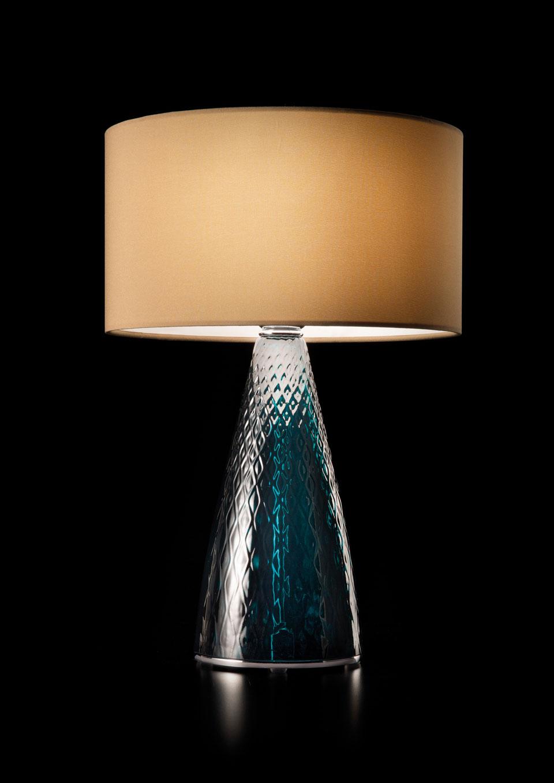 Lampe de table en verre sculpté bleu turquoise. Italamp.