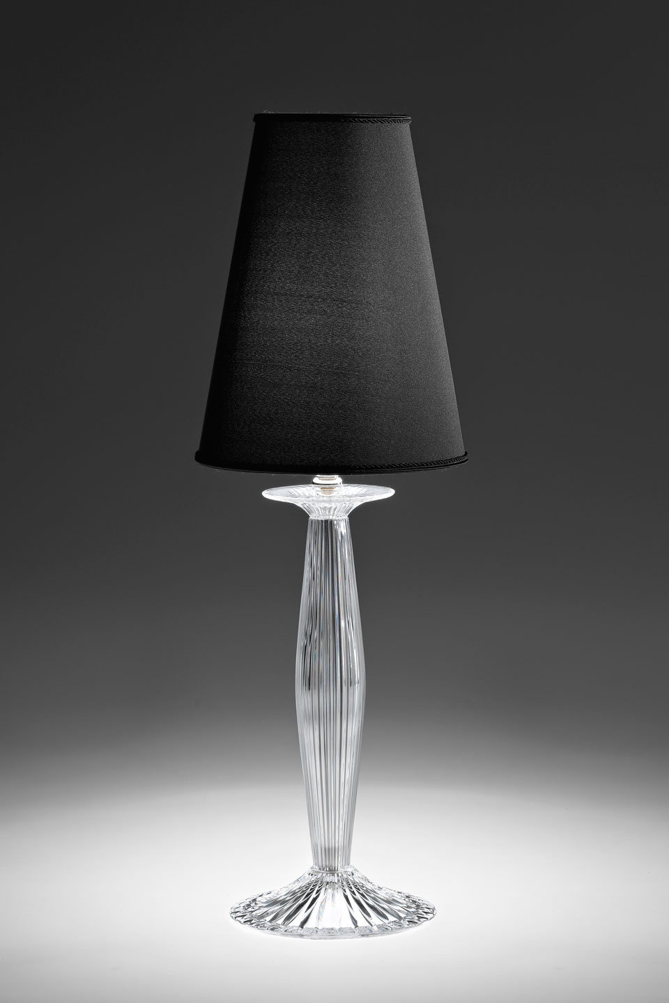 Phebo Transparent Crystal Table Lamp With Black Conical Shade Italamp Lampe De Table Classic And Contemporary Chandelier Ref 18050047