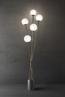 TEA lampadaire design 5 boules en verre soufflé blanc satiné. Italamp.