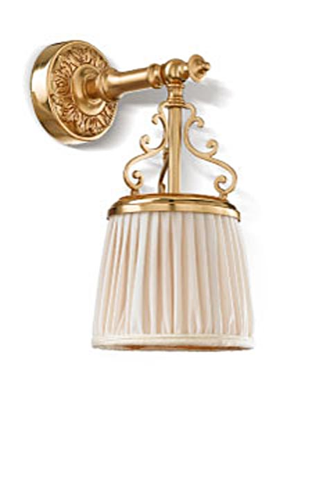 Violetta small wall lamp in gilded bronze and ivory pleated shade. Jacques Garcia.