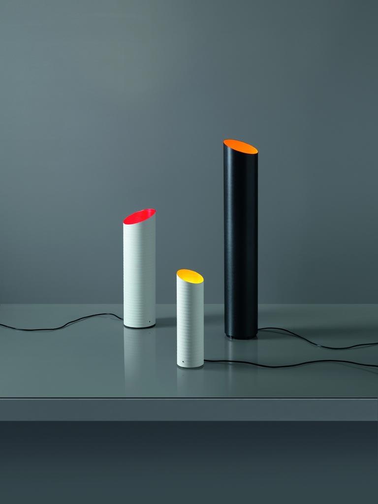 Lampe blanche tube de fibre de verre vernie Slice intérieur jaune 36cm. Karboxx.