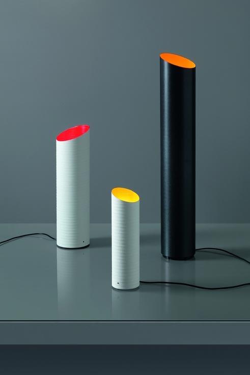 Lampe noire tube de fibre de carbone Slice intérieur orange 51cm. Karboxx.