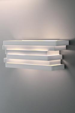 White aluminum wall light with superimposed rectangles Escape - 44cm. Karboxx.