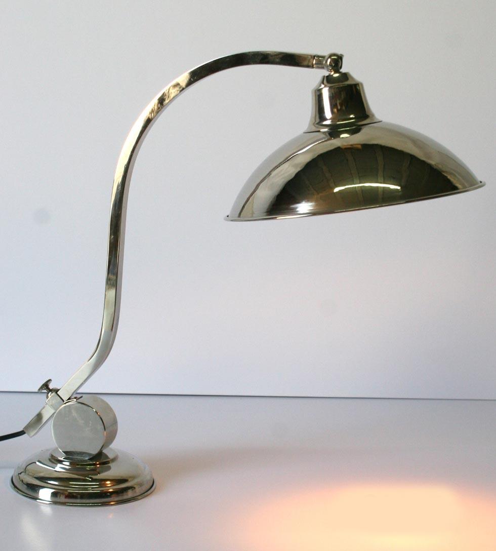 CM25 lampe de table en laiton chromée. Latoaria.