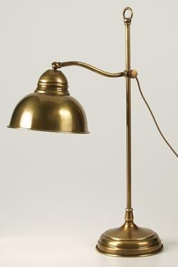 CM31 lampe de table en laiton vieilli pied coulissant. Latoaria.