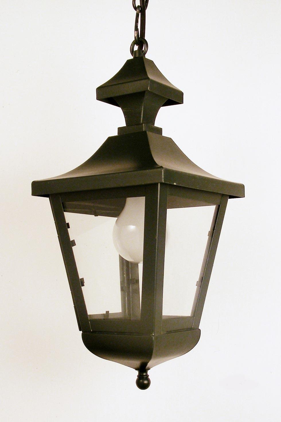 Hamburg le38 n 2 lanterne noire en laiton laqu forme for Lanterne exterieur design
