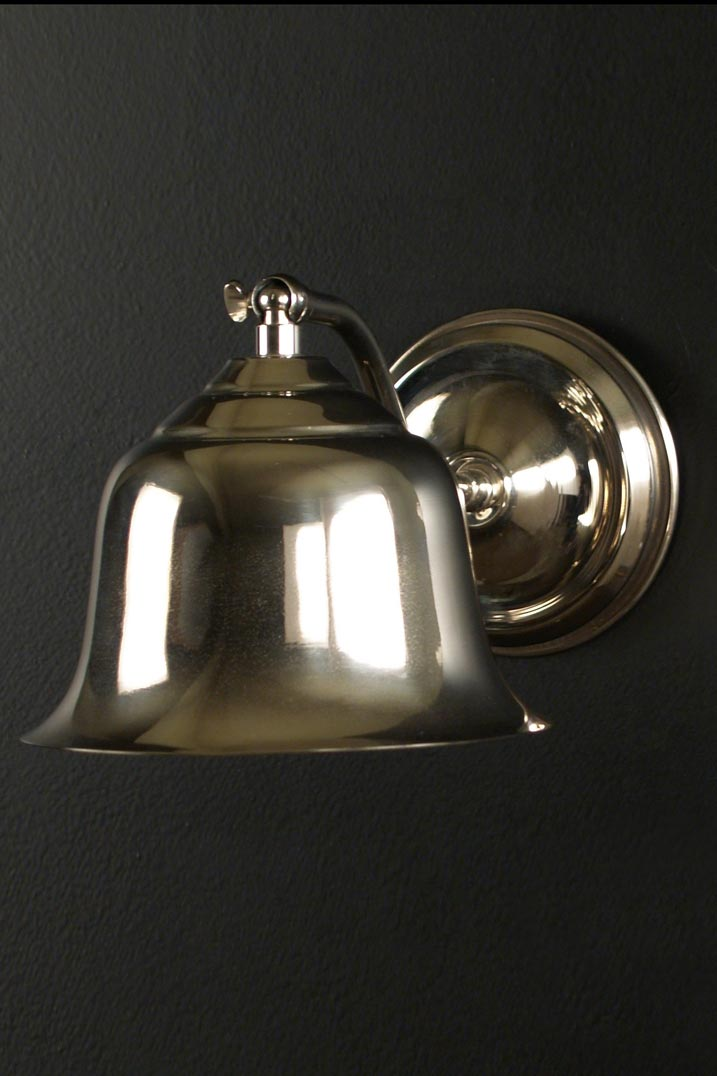 AP09 wall light in chrome-plated brass. Latoaria.