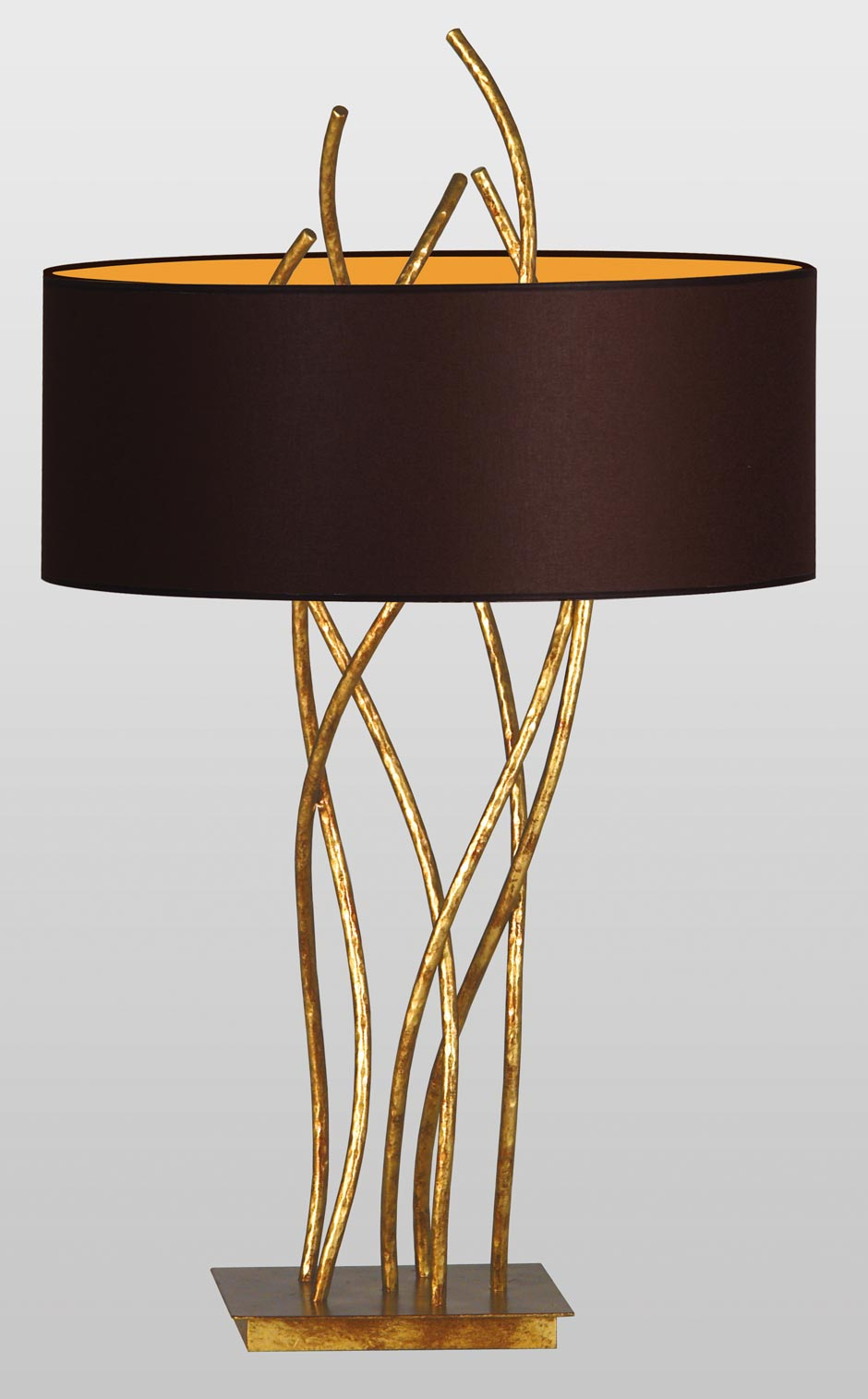 Sara gold table lamp. Le Dauphin.
