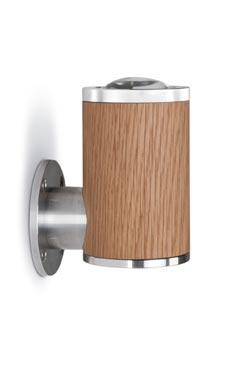 Athene applique LED en bois et aluminium, de forme cylindrique. Less 'n' More.