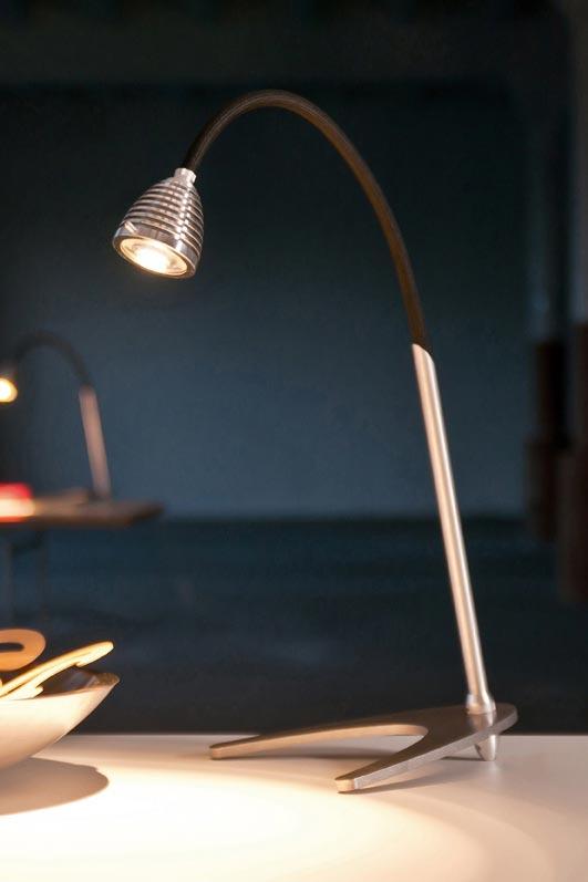 Athene Grande puissante lampe LED flexible noir. Less