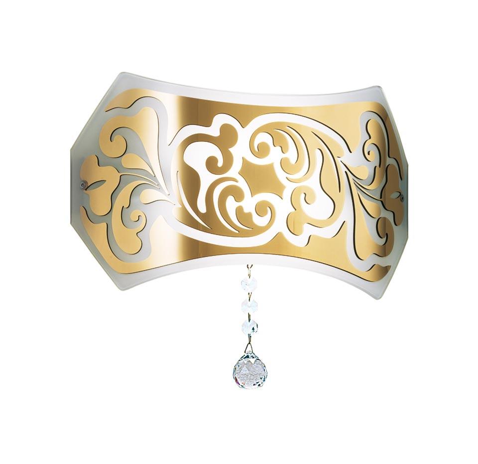 Applique Charme décor baroque doré. Leucos.