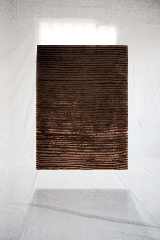 Tapis gris fonc tr s clair rayures fines ligne pure tapis contemporains fabriqu s la Beaux tapis contemporains