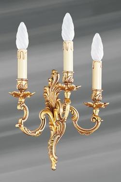 Applique bronze Louis XV vieil or trois bougeoirs. Lucien Gau.