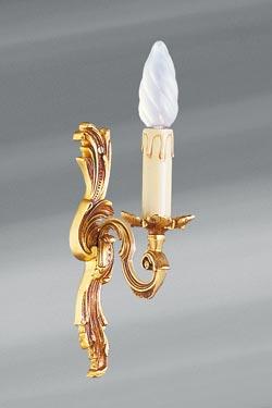 Applique simple en bronze Louis XV vieil or bougeoir unique. Lucien Gau.