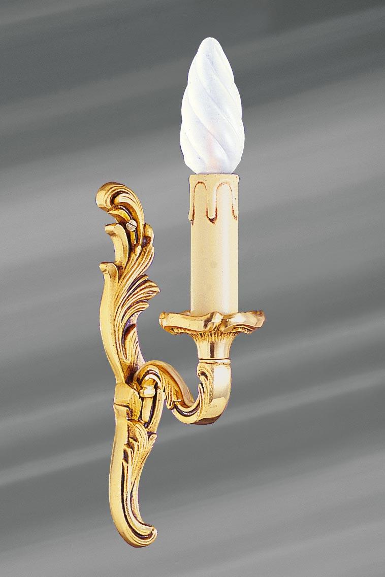 Applique simple Louis XV dorée en bronze. Lucien Gau.