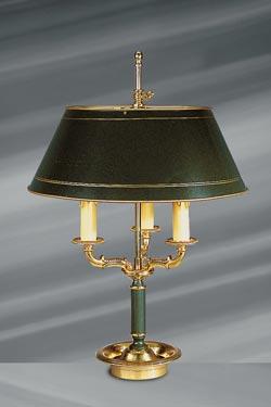 Lampe en bronze massif de style Empire, trois lumières et abat-jour laqué. Lucien Gau.