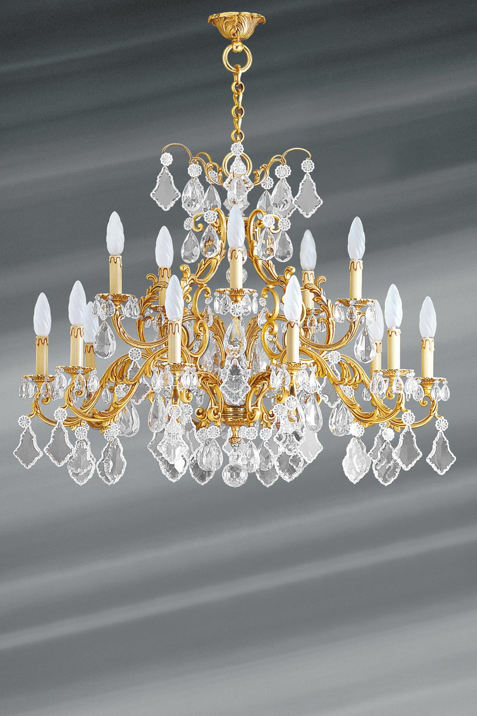 lustre dor louis xv cristal de boh me 15 lumi res lucien gau luminaires classiques de. Black Bedroom Furniture Sets. Home Design Ideas