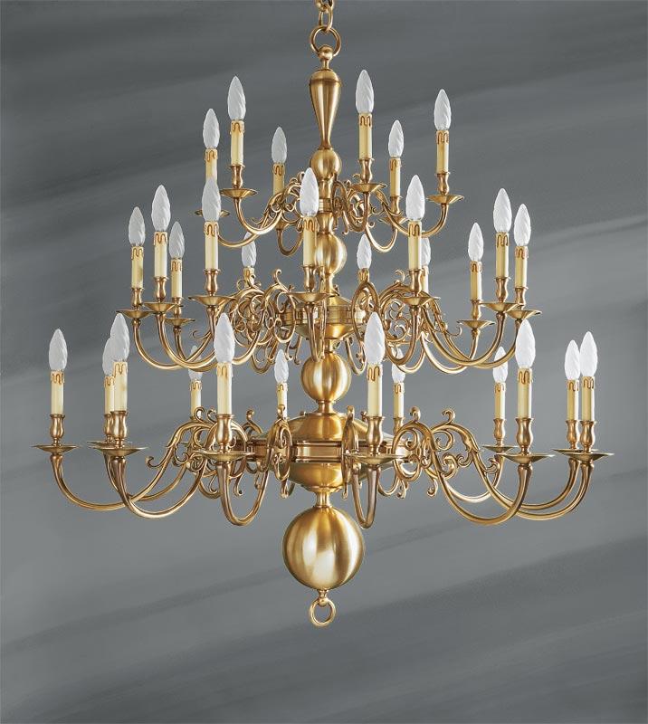 lustre hollandais laiton trente lumi res lucien gau luminaires classiques de prestige r f. Black Bedroom Furniture Sets. Home Design Ideas