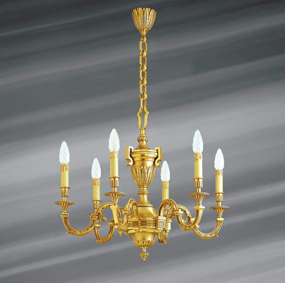 Lustre, Louis XVI, en bronze doré, six lumières. Lucien Gau.