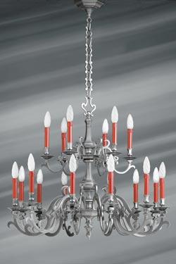 Lustre style Louis XIII bronze finition étain mat dix-huit lumières. Lucien Gau.