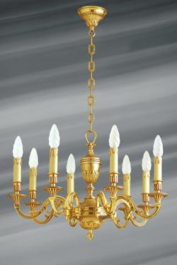 Lustre style Louis XVI, bronze doré, huit lumières, feuilles et perles . Lucien Gau.
