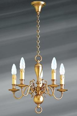 Petit lustre en laiton de style hollandais cinq lumières . Lucien Gau.