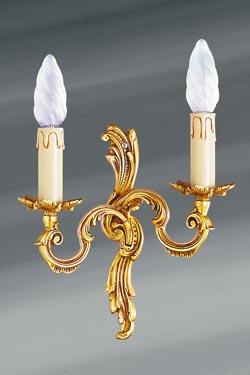 Petite applique en bronze Louis XV vieil or deux bougeoirs. Lucien Gau.