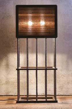Lampadaire cube en bronze, soie indienne et ébène de Macassar Pasha - Marron foncé grand modèle. Luminara.