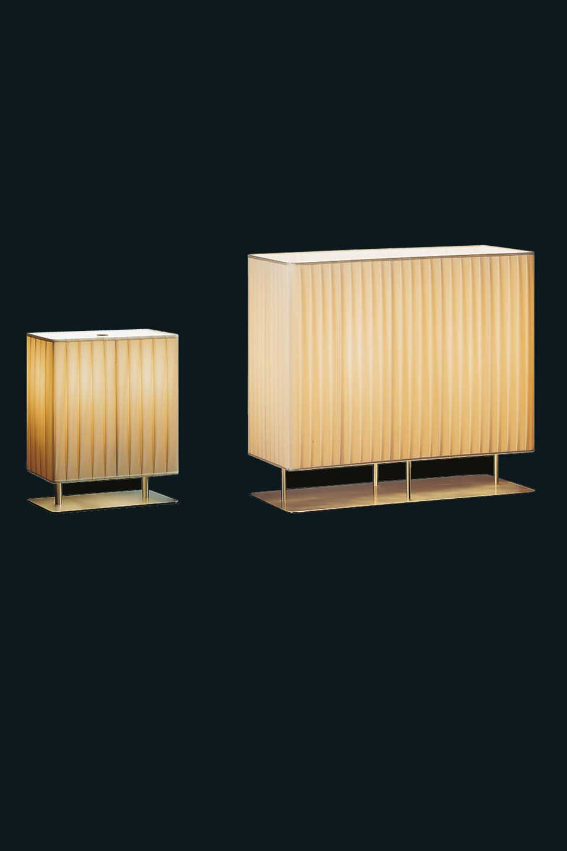 Lampe rectangulaire en inox satin et abat jour for Lampe a poser rectangulaire