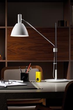 Bauhaus 90T lampe de bureau métal chrome et blanc. Lumini.