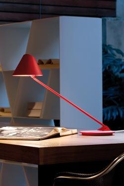 Ginga lampe de bureau inclinable métal rouge. Lumini.
