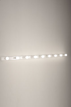 Applique 9 lumières en acier blanc laqué 2160's. Luz Difusion.