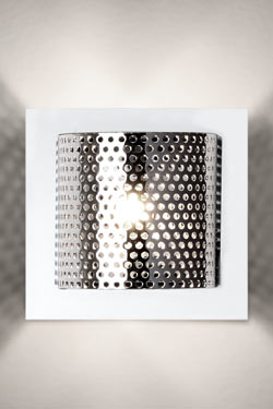 Kendo W1 petite applique carrée . Luz Difusion.