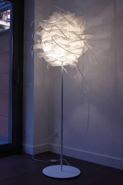 Struk F lampadaire. Luz Difusion.