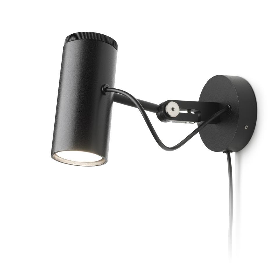 Applique en métal noir à LED Polo, réflecteur orientable. Marset.