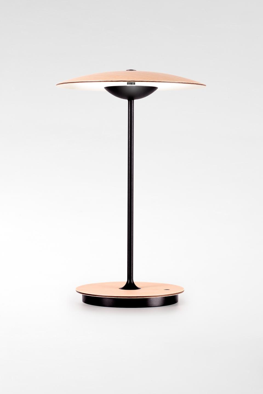 Lampe sur batterie à LED et variateur en bois clair Ginger . Marset.