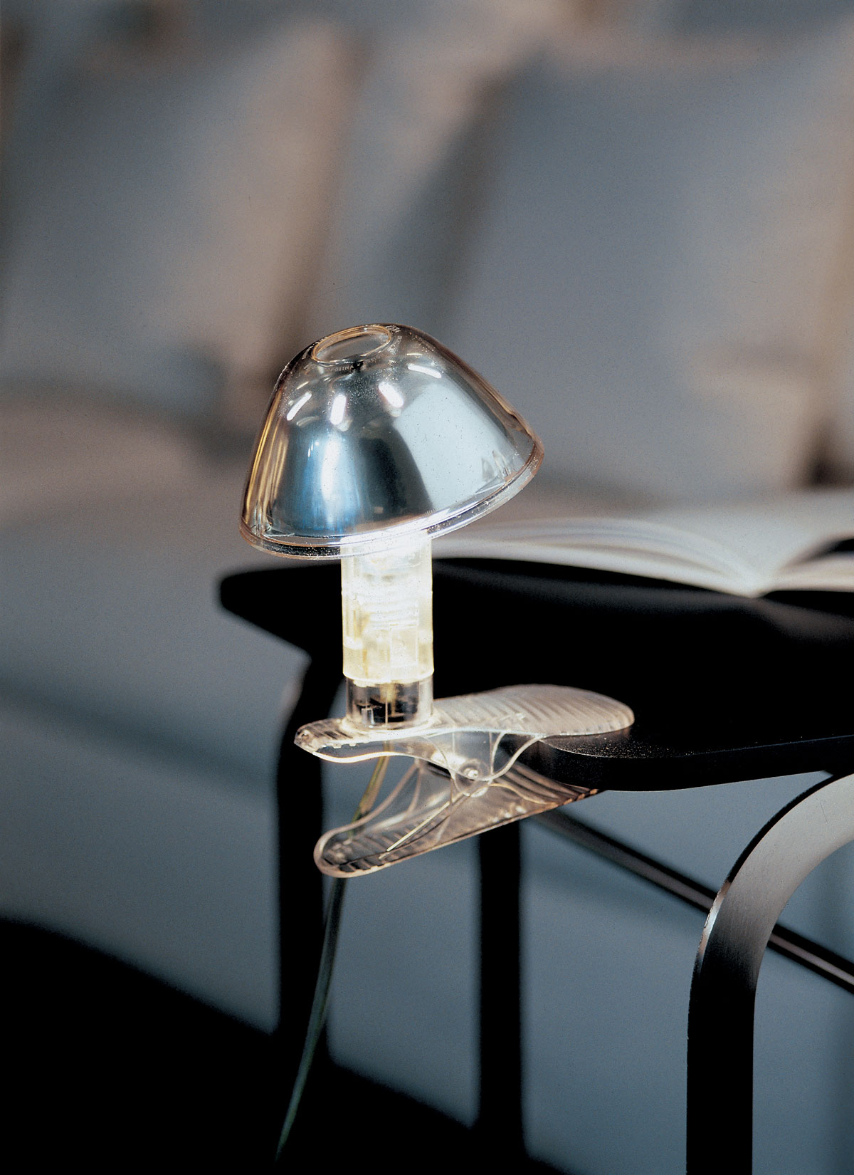 Topolina Lampe à pince transparent. Marset.